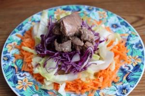 Exemple d'entrée paléo : foie de morue en salade