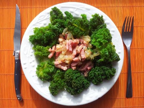 Recette de chou kale aux lardons