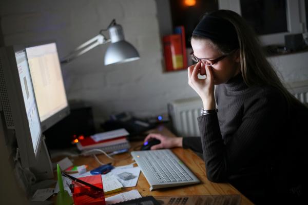 Mal aux yeux : trop d'écrans